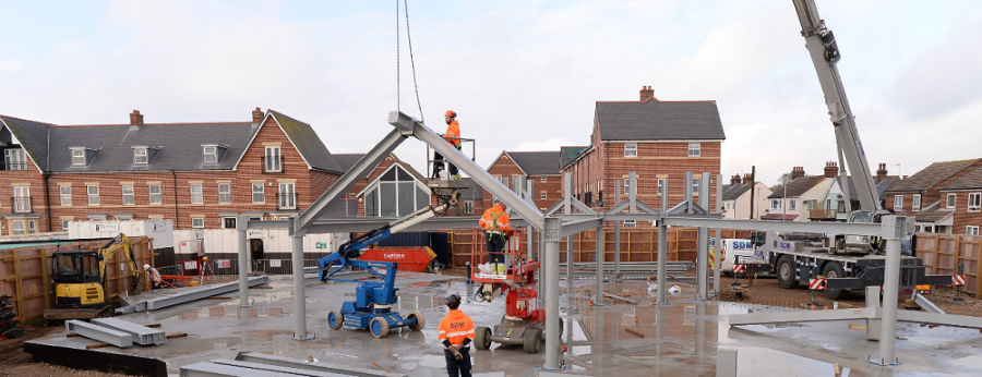 Steel frame erected on new seafront café in Felixstowe 3